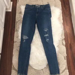 Levi's high waisted jeans super skinny 28 EUC